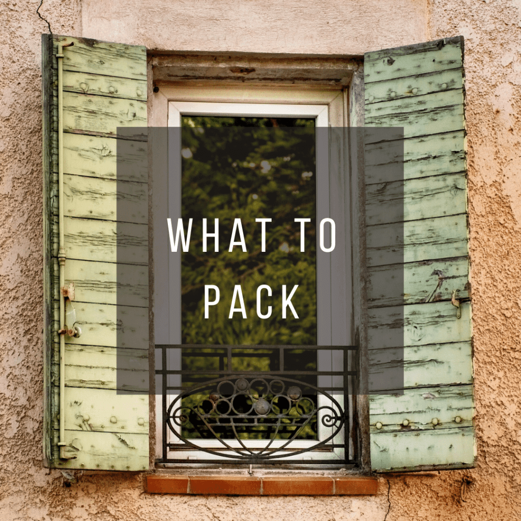 Button to click to learn what to pack for a trip to France.