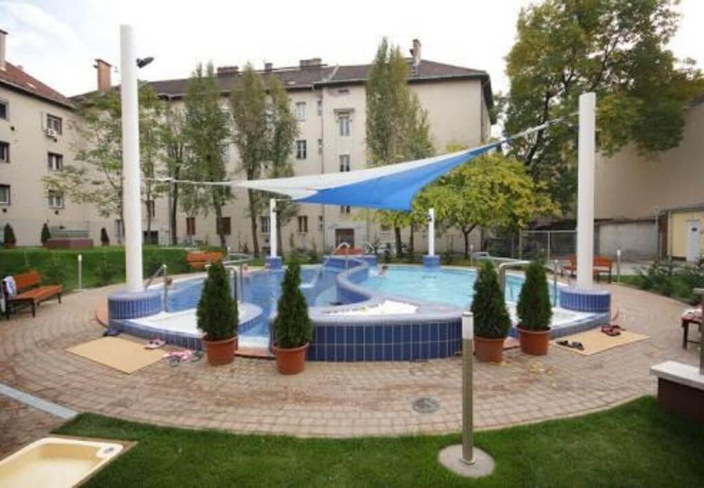 Dandar Bath in Budapest